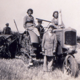 Land Girls by tractor, East Lothian.png
