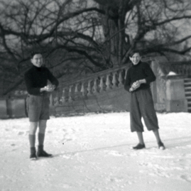 German PoWs working at Dovecot Farm.jpg