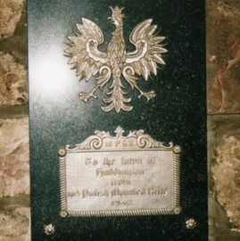 Commemorative plaque to the Polish forces, Haddington's Town Hall.png
