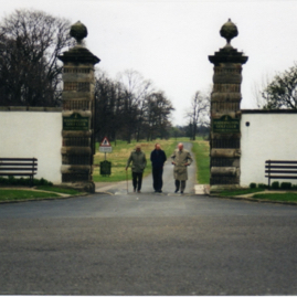 J. Skutecki, author & J. Steinberger, Amisfield Gates.jpg