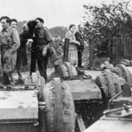 Polish tanks being loaded at Haddington Station.jpg