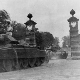 Polish tanks leaving Amisfield.jpg